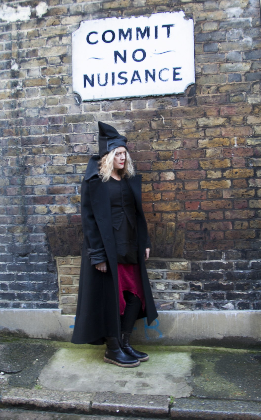 Alannah Currie Commits No Nuisance